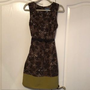 Brown and green sleeveless dress